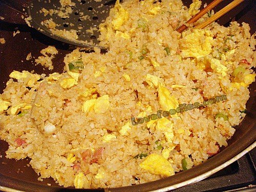 Magic Cauliflower Fried Rice with Bacon and Egg