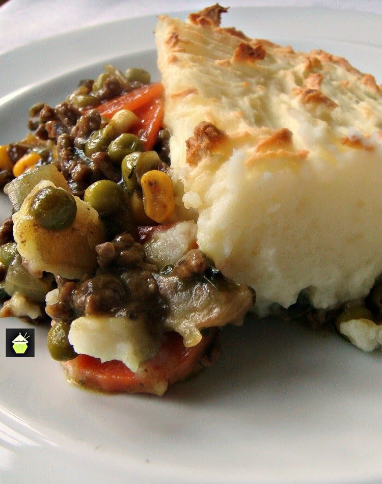 Delicious Cottage Pie. This is a lovely family favorite recipe, using regular budget friendly ingredients and easy to make. Don't forget to make up an extra jug of gravy! | Lovefoodies.com