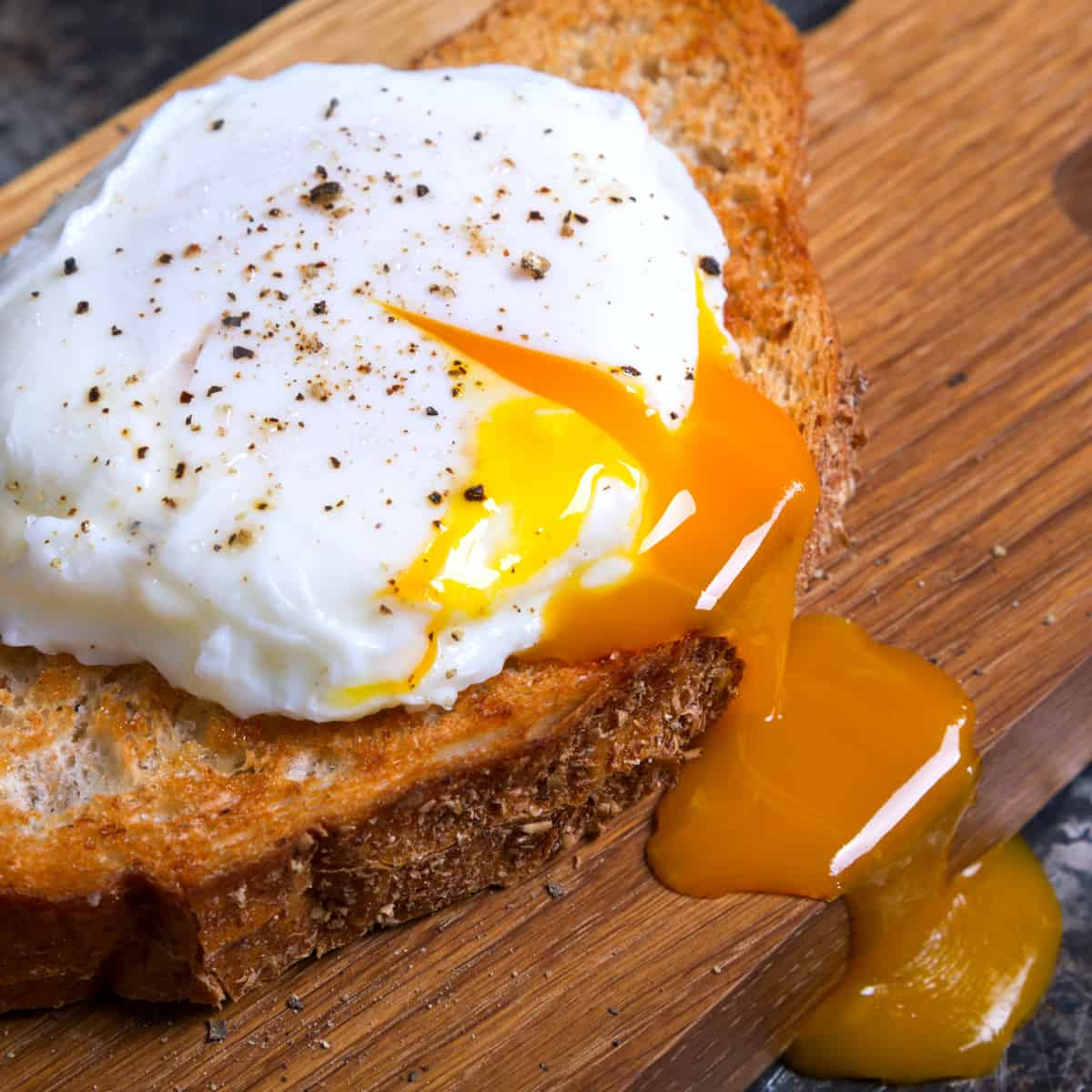 How to Make Perfect Poached EggsF
