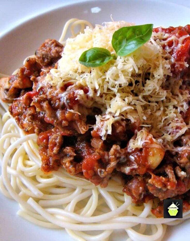 Simple Spaghetti Bolognese 1