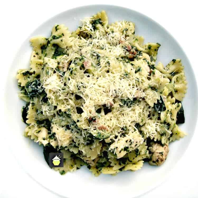 Tasty Chicken, Bacon and Spinach Pasta