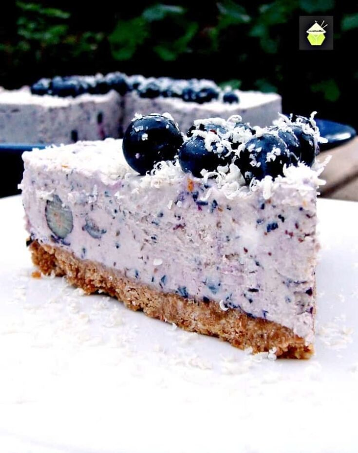 Blueberry and White Chocolate Cheesecake