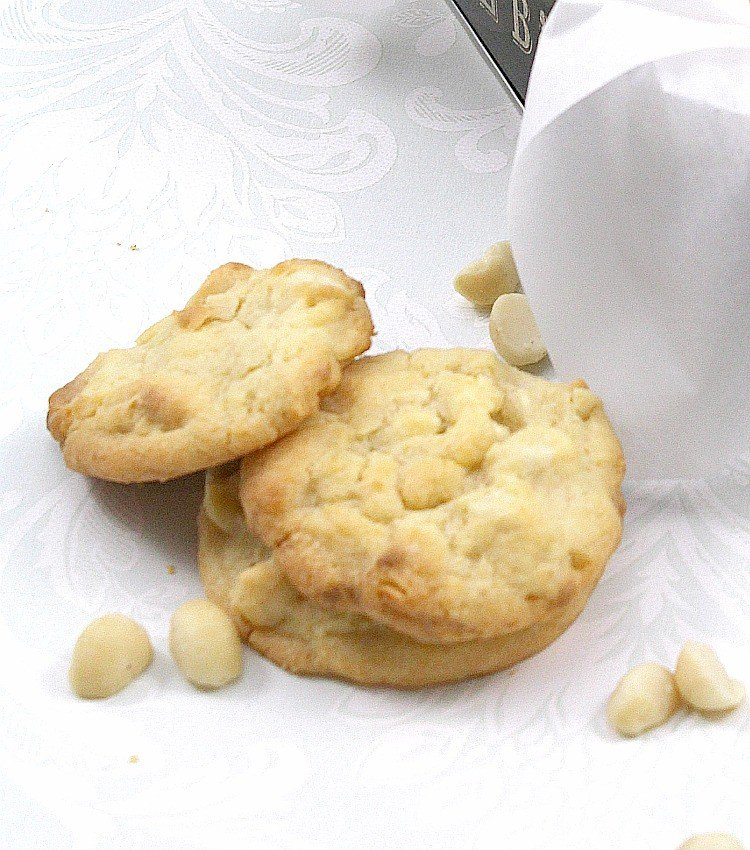 Macadamia and White Chocolate Cookies. Perfect with a cup of tea or glass of milk! A very easy cookie recipe. | Lovefoodies.com