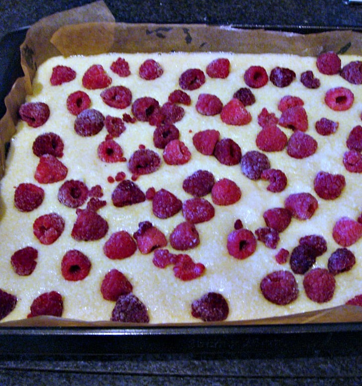 Raspberry and White Chocolate Bars. A delicious and easy recipe, perfect with a nice cup of tea!