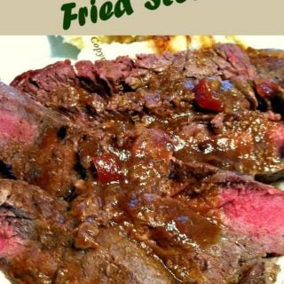 Apple Bourbon Fried Steak. A very easy recipe with delicious flavors.