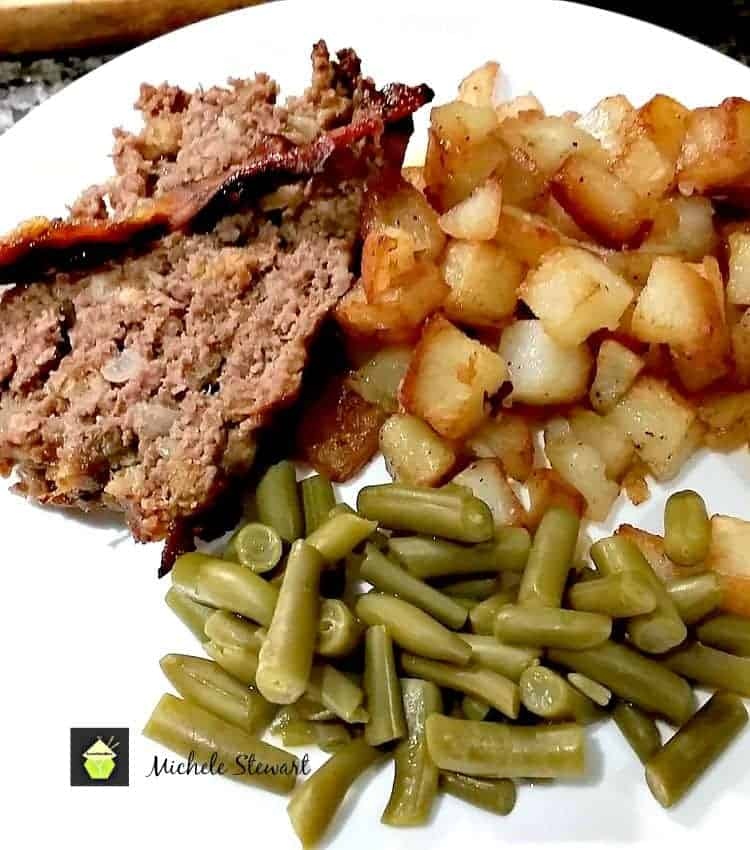 Easy Meatloaf with BBQ Sauce Recipe. A lovely recipe, great for lunches, dinners, picnics, and also the simple BBQ Sauce recipe is really yummy!