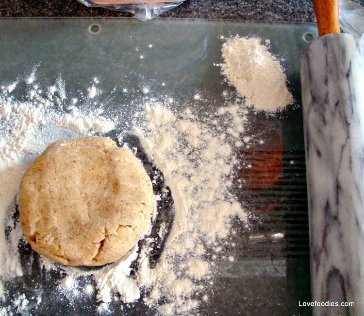 How To Make A Quick Basic Pie Crust, Sweet or savory, how to roll