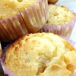 White Chocolate and Macadamia cakes. An incredibly easy recipe with fabulous flavors and texture. Yummy!