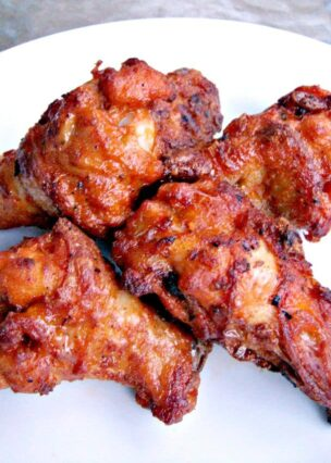 These fried Buffalo Chicken Wings are full of flavor, coated in a hot sauce and served with a homemade creamy Blue Cheese Dip. Ideal for game days and parties!
