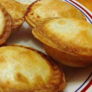 Mini Fruit Pies - Choose from the different fillings and serve warm as they are or with some lovely whipped cream!
