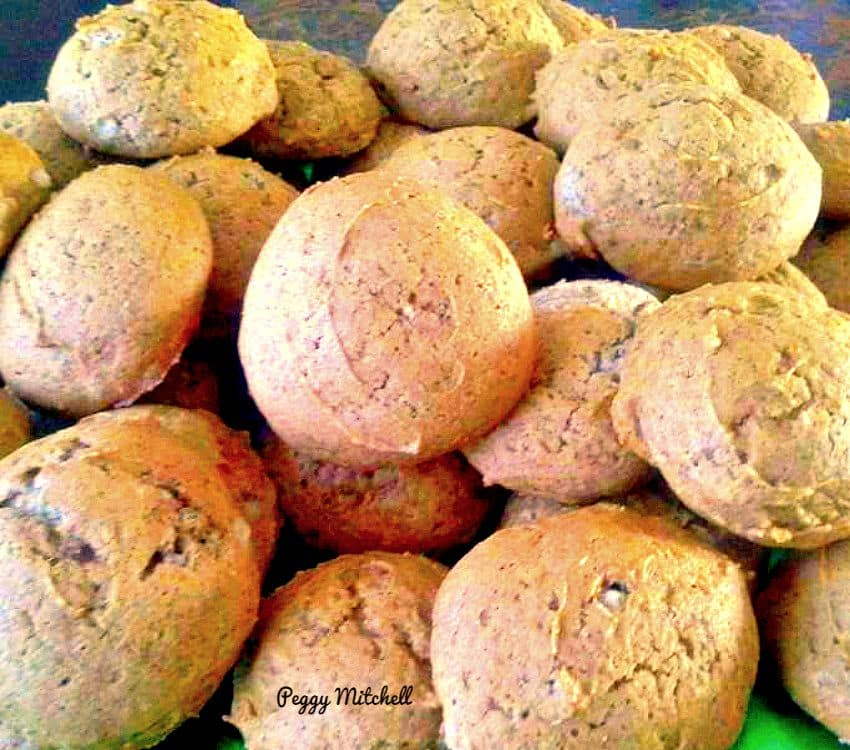 Mini Pumpkin Cake Cookies are lovely little treats. Recipe also comes with an optional sugar glaze. Yummy!