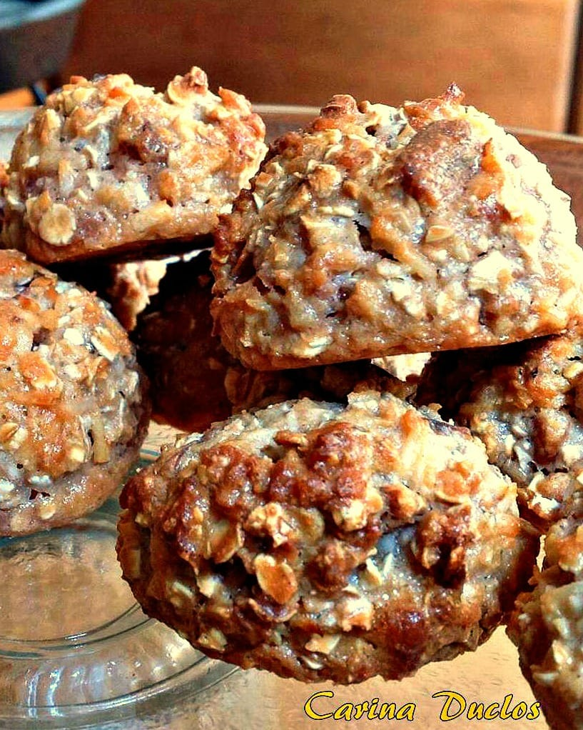 Peanut Butter and Coconut Oat Bites. Peanut Butter and Coconut Oat Bites are tasty snacks, packed with peanut butter, coconut, oats, cookies and walnuts! Really easy to make using regular pantry ingredients.