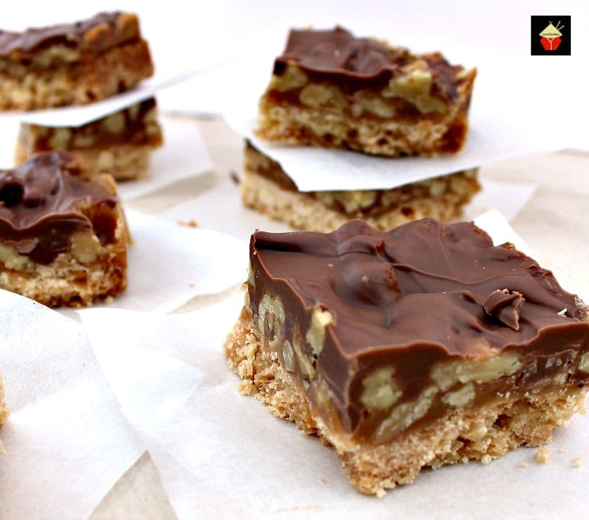 Chocolate Caramel Pecan Bars. These are so addictive! Easy to make and ...