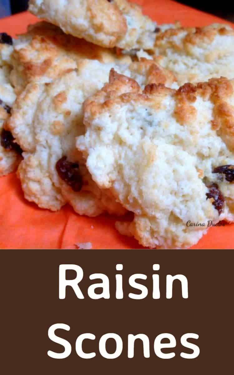 Raisin Scones! A very easy and quick recipe, perfect with a cup of tea!