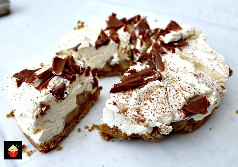 Banoffee Pie. This is a wonderful creamy no bake dessert with layers of banana and caramel. Very easy to make and always popular. | Lovefoodies