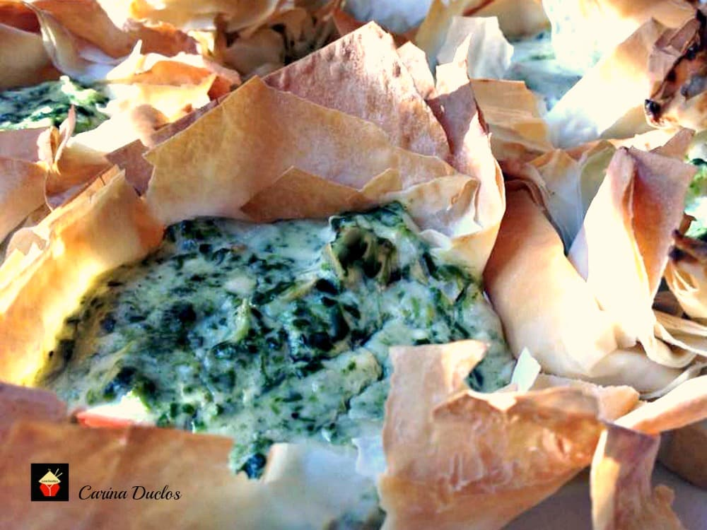 Spinach Cream Cheese Filo Nests. An incredibly flexible quick and easy recipe, great for brunches, parties lunch boxes. Options to add bacon, chicken for the meat lovers too! | Lovefoodies.com