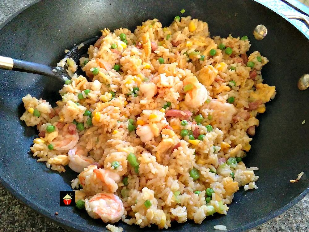 Garlic Shrimp Fried Rice It S Quick Easy And Of Course Super Tasty