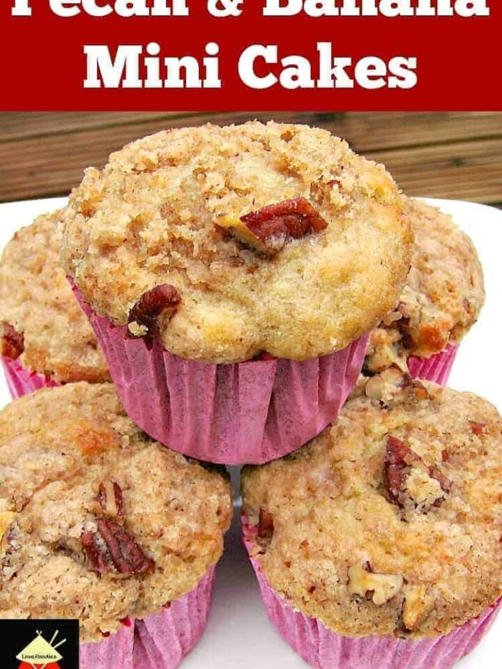 Pecan and Banana Mini Cakes are wonderful soft, moist and full flavored with a great streusel topping. Also nice as a regular loaf size. | Lovefoodies.com