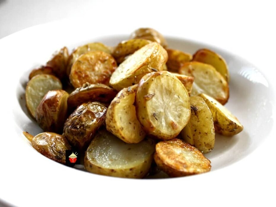 No-Fuss, Easy, Oven Roasted Baby New Potatoes Recipe. A quick & simple side dish, creamy, crunchy, tender miniature potatoes, bursting with flavor from delicious seasonings, roasted in the oven.