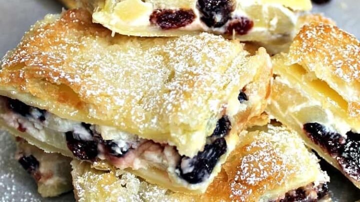 Apple and Cranberry Crescent Roll Cream Cheese Bars. An incredibly easy recipe with fantastic flavors! | Lovefoodies.com