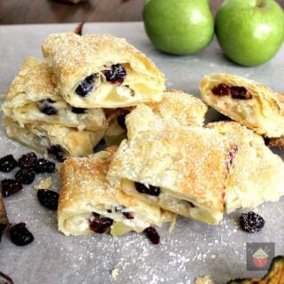 Easy Apple and Cranberry Roll Ups, great for snacks, party food and very quick and easy to make | Lovefoodies.com