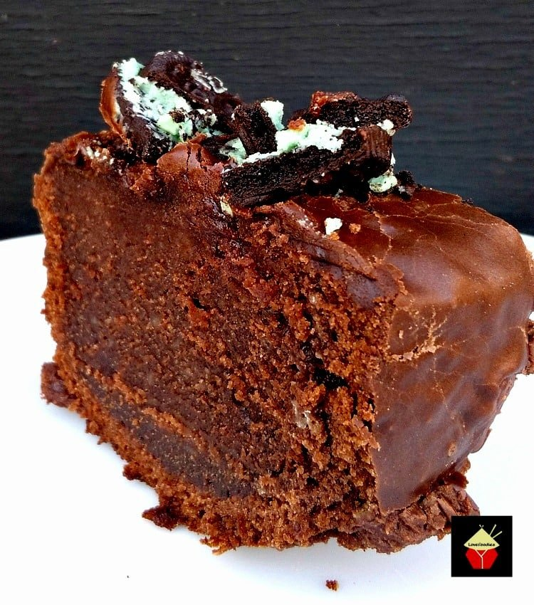 Mint Oreo Chocolate Fudge Cake. A perfect cake for all chocolate lovers!