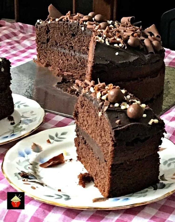 Easy Chocolate Party Cake8