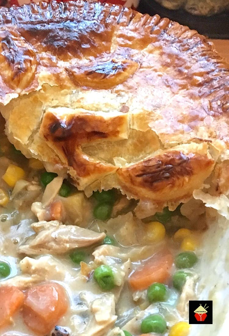 Left Over Roast Chicken Pot Pie, a great way to use up left over roast chicken and vegetables! Great for leftover turkey and ham too! #Thanksgiving #Christmas #Chickenpotpie