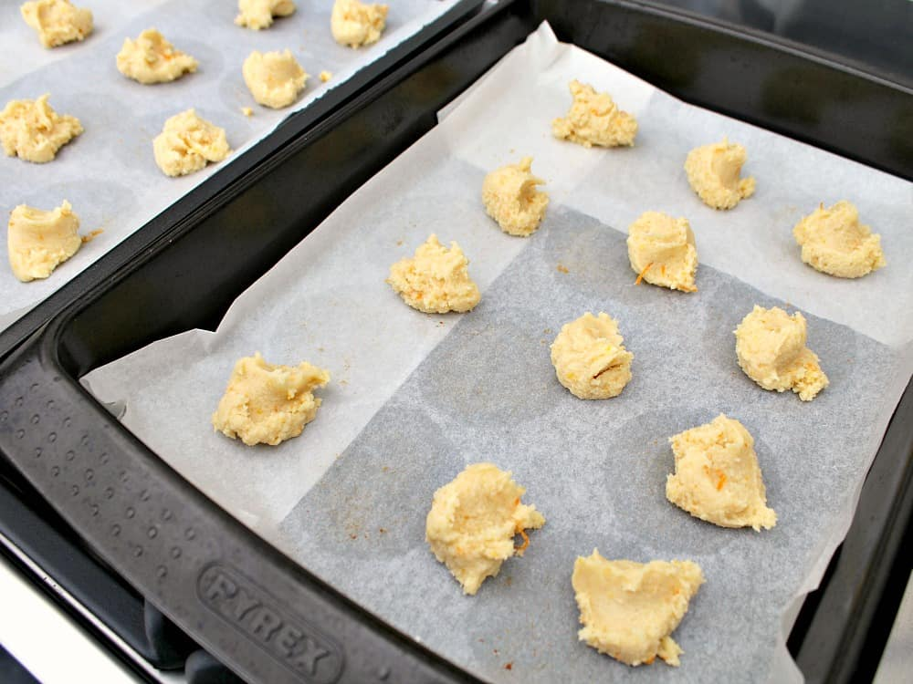 use teaspoon and drop cookie batter on to baking sheet. Size as shown