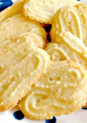 Lemon Melting Moments Cookies – A wonderful gentle lemon flavor with a melting sensation!