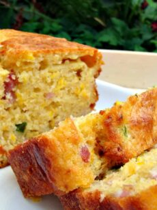 Cheesy Bacon, Sweet Corn and Pepper Bread Easy recipe and yep, VERY DELICIOUS! Serve warm or cold, tasty either way! Goes great with soups too