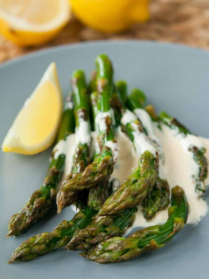 Lemon Garlic Butter Sauce with Asparagus