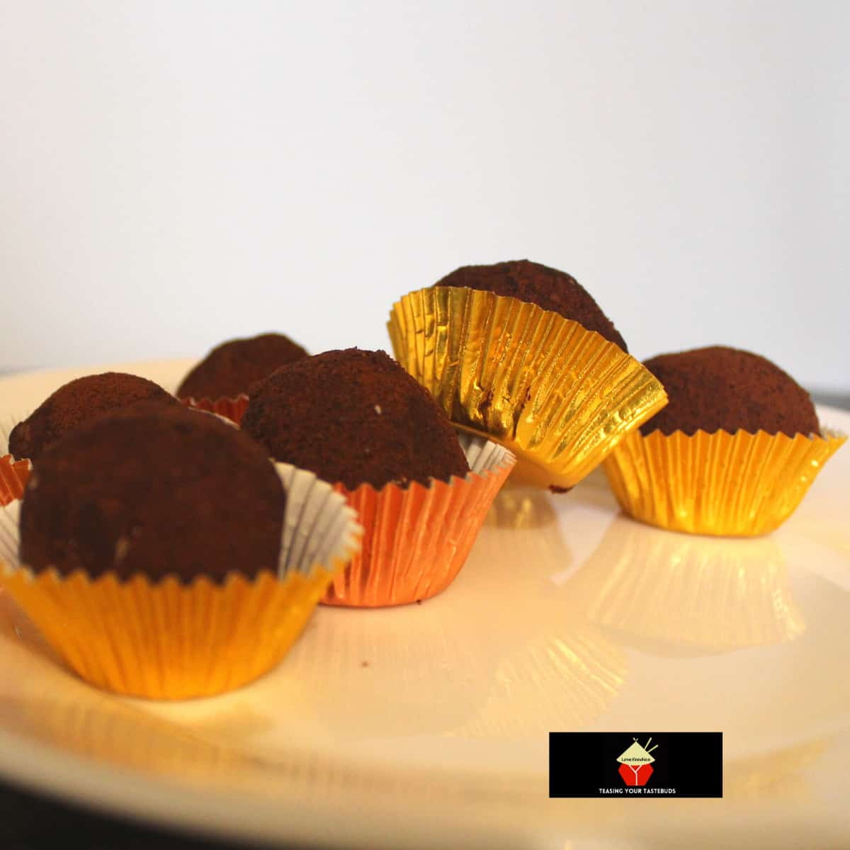 Easy Chocolate TrufflesF