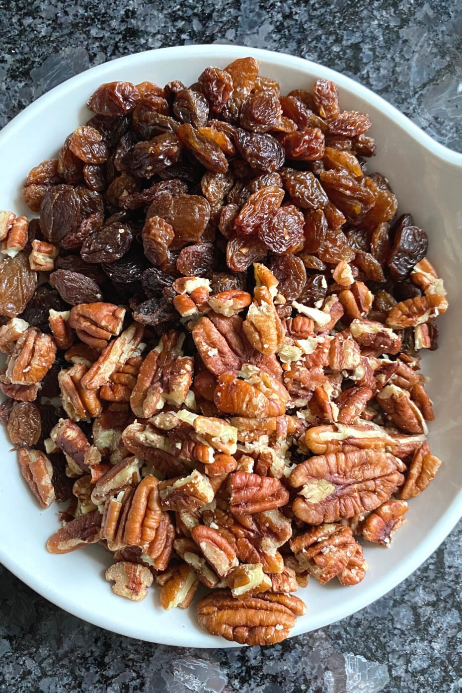 Pecan and Raisin Oatmeal Cookies, pecan nuts and raisins